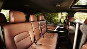 2017 Toyota Land Cruiser Overview | The News Wheel