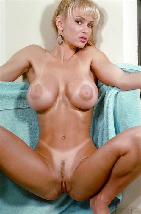 busty blonde milf tan lines mom xxx picture