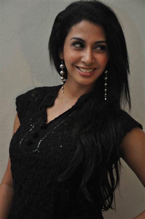 Urmila Gayathri Photoshoot Stills In Black Sudithar