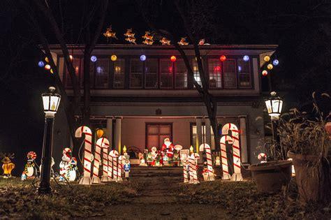 houses  iowa    christmas lights