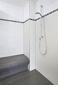 dusche mit sitzbank sitzbank dusche oder sauna aus wedi bauplatten mit jasba mosaik fliesen