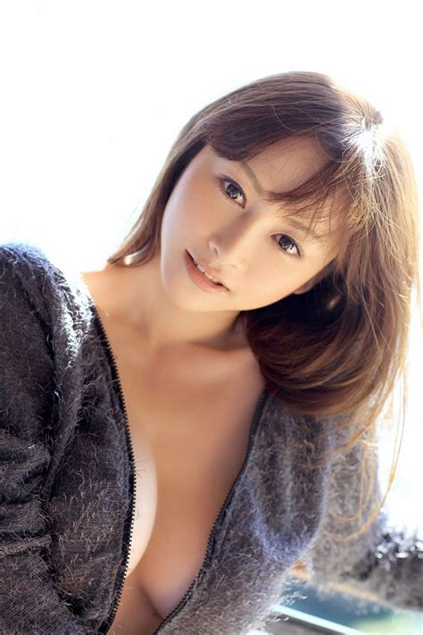 Smart Famous Japanese Actress Model And Gravure Idol