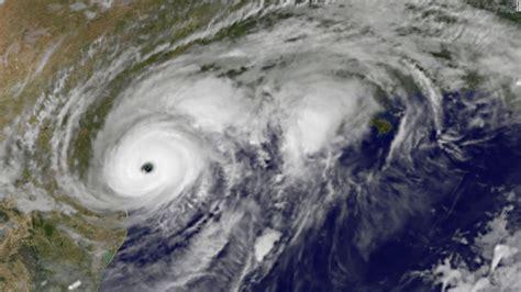 dallas preps mega shelter  texas braces   rain