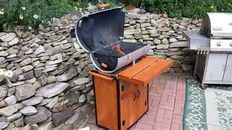 Make Your Own Grill From An Old Beer Keg