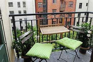 Balkongestaltung Kleiner Balkon : kleiner balkontisch f r ein gem tliches ambiente ~ Michelbontemps.com Haus und Dekorationen