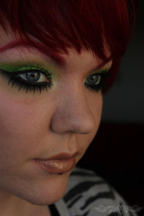 zoffes makeup acid green eyes  tutorial