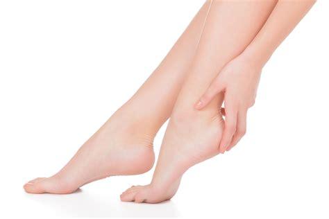Heal Up Cracked Feet Via Home Remedies