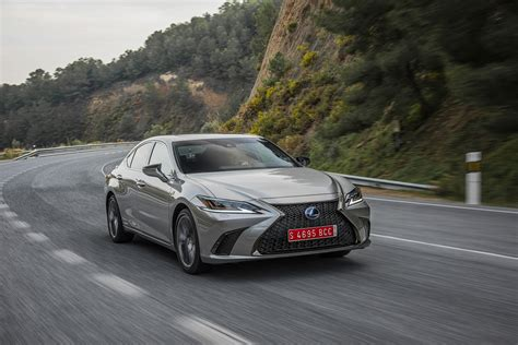 Review Lexus Es by Lexus Es 300h Review Can It Attract Keen Drivers Evo