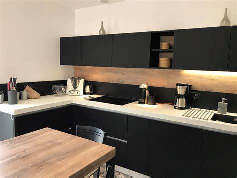 plan cuisine awesome cuisine noir plan de travail bois blanc photos