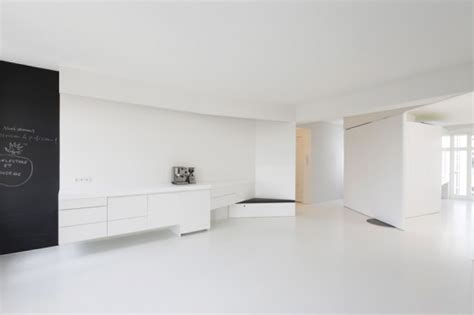 A Minimalist Modern Apartment In White by Clear White Apartment Interior Digsdigs
