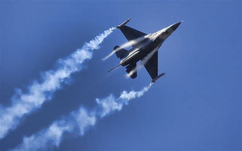 General Dynamics F16 Fighting Falcon Wallpapers Hd Download