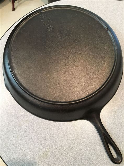 lodge notch skillet iron cast number sk cookware skillets pan wagner handle frying usa numbers pans pots rare lodges griswold