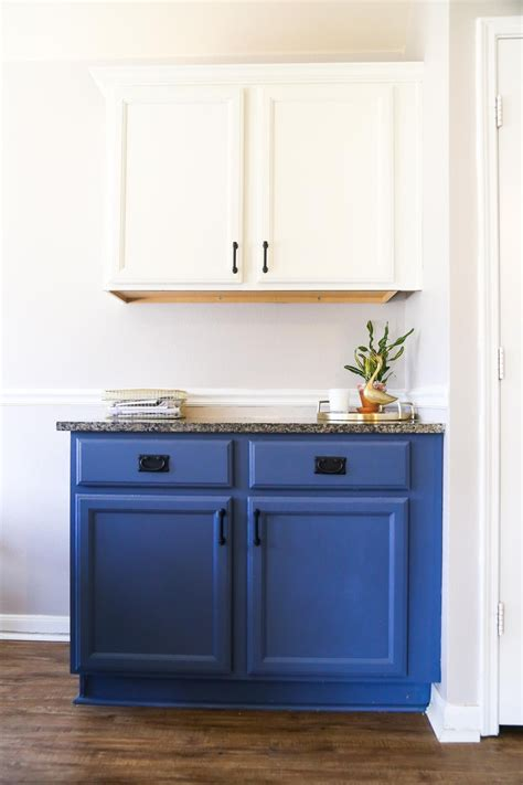 What Paint To Use On Kitchen Cabinets by Blue White Kitchen Cabinets Renovations