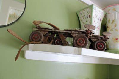 roller skats - Old School of Finish Carpentry