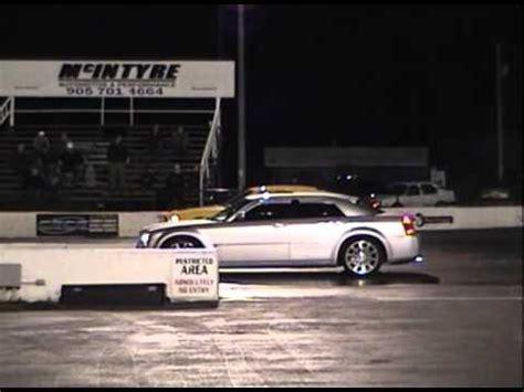 Chrysler 300 Vs Dodge Charger by Chrysler 300 Vs Dodge Charger