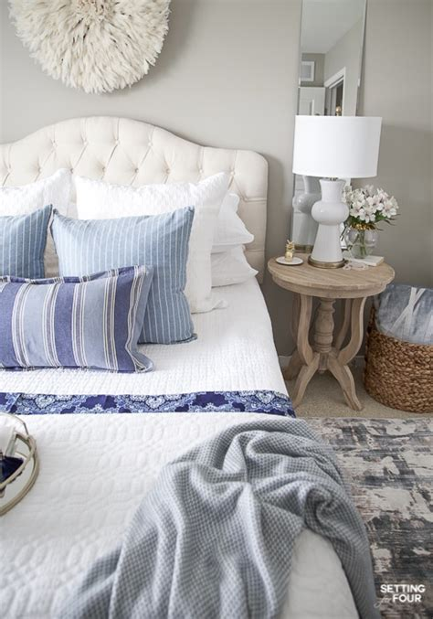 Simple Bedroom Decorating Ideas Pictures by 7 Simple Summer Bedroom Decorating Ideas Setting For Four