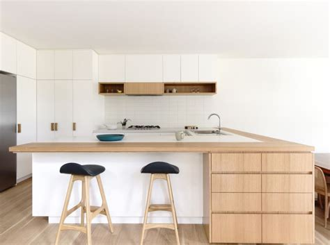 plan de travail cuisine en bois cuisine blanche plan de travail bois inspirations de déco