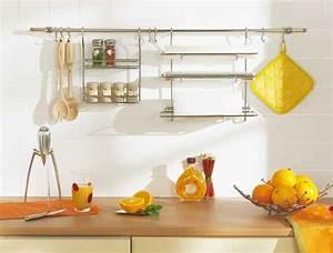 Barre pour ustensile de cuisine maison design bahbecom for Barre de credence pour cuisine