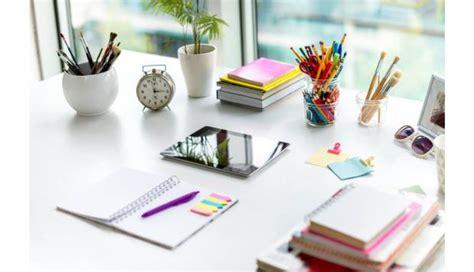 consejos basicos  decorar tu escritorio de la mejor