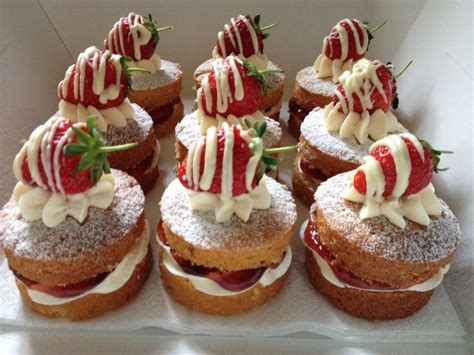 ideas  mini victoria sponge cakes
