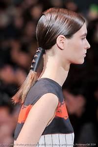 Queu De Cheval Homme : match de coiffures la queue de cheval attach e avec un tube ou classique ~ Melissatoandfro.com Idées de Décoration