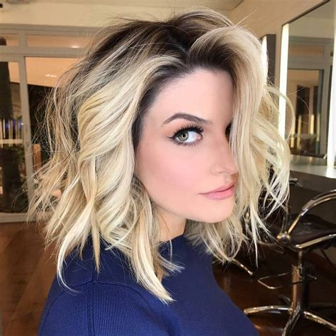 10 latest medium wavy hair styles for shoulder length haircuts 2020