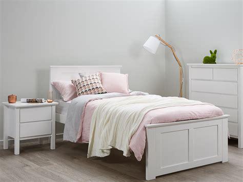 8679 size bed white hardwood white king single beds 50 rrp b2c