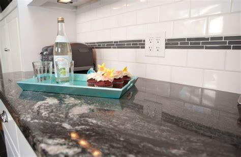 plan de travail cuisine en granit plan de travail en granit noir pour une ambiance tendance