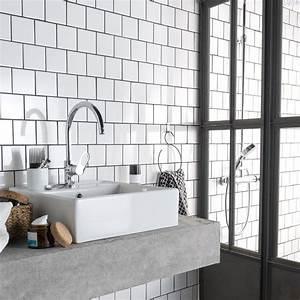 Carrelage salle de bain 10x10 blanc for Salle de bain carrelage blanc