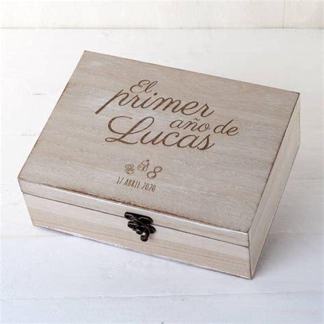 caja de madera para regalo de bebe