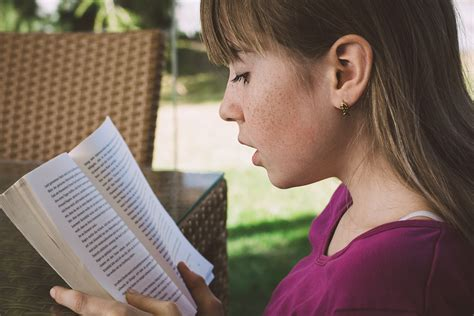 Study: Girls 'Significantly' Better Than Boys At Reading, Writing - Study Finds