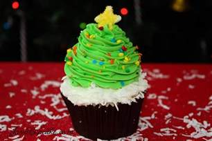Decorating With Sprinkles by 4 Holiday Cupcakes Recipes Amp Decorating Tutorials