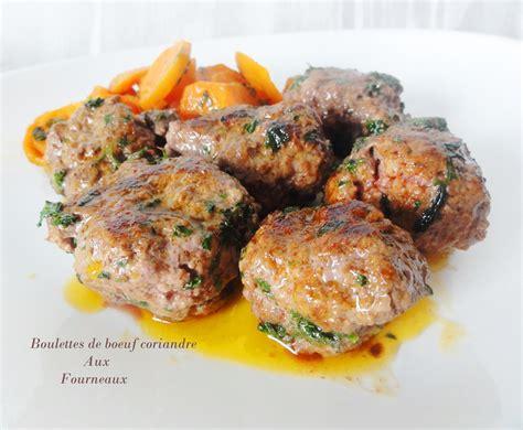 cuisiner des boulettes de boeuf boulettes de boeuf à la coriandre fraiche aux fourneaux
