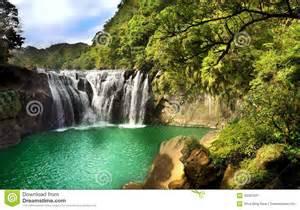 Beautiful Waterfall Sceneries