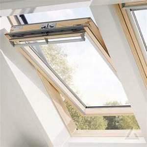 Velux Dachfenster Griff : velux schwingfenster im dachgewerk dachfenster shop ~ Orissabook.com Haus und Dekorationen