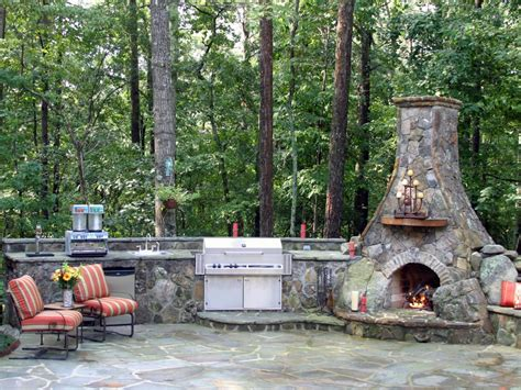 outdoor cuisine options for an affordable outdoor kitchen diy