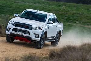 Toyota Hilux 2017 : 2017 toyota hilux trd vs 2017 ford ranger fx4 comparison review ~ Accommodationitalianriviera.info Avis de Voitures
