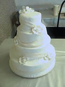 buttercream wedding cakes white wedding cakes with buttercream frosting food and drink
