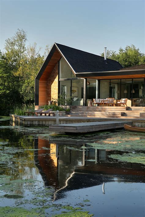 house   family  built    secluded