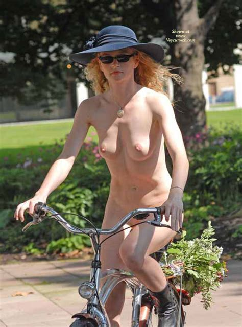 Nude Bicyclist August 2007 Voyeur Web Hall Of Fame