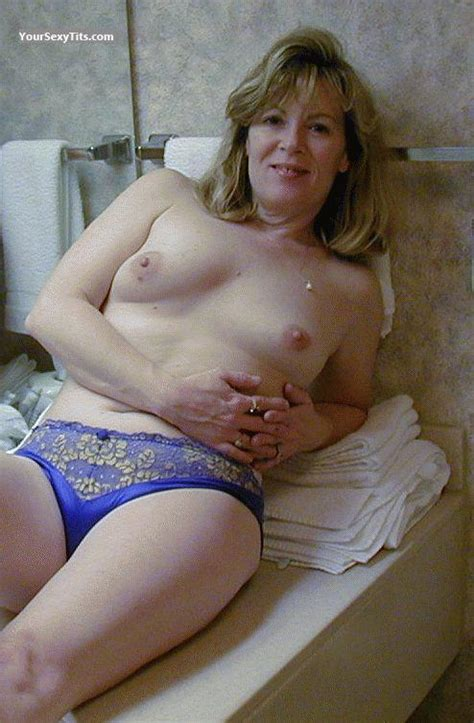 Medium Tits Topless West Virginia Wife From United