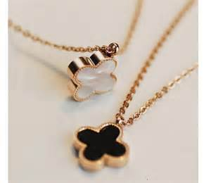two diamond ring reversible clover pendant necklace jewelry