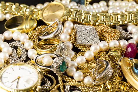 helpful tips  insuring  priceless jewelry art