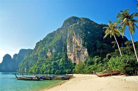 Ton Sai Bay, Koh Phi Phi Don, Thailand