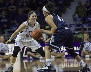 Wildcats fall in 84th-straight win for UConn | The Collegian