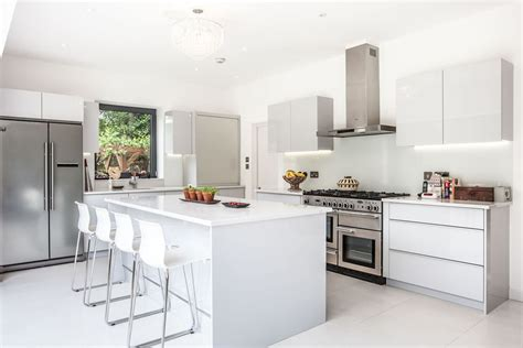 models cuisine cuisine modele cuisine ouverte avec blanc couleur modele