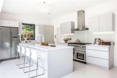 modele de cuisine ouverte cuisine modele cuisine ouverte avec blanc couleur modele