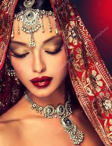 inde femme mariage With robe de mariée rouge avec bijoux indiens