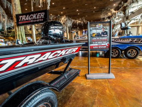 Bass Pro Shop Boats Houston harvey floods bass pro shops provide boats for rescue efforts