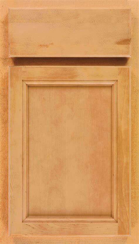 Light Kitchen Cabinets in Birch Wood   Aristokraft